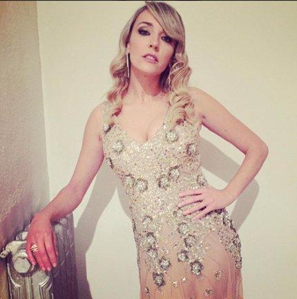 Anna Simón muy gupa en Antena 3 para dar las campanadas 2015