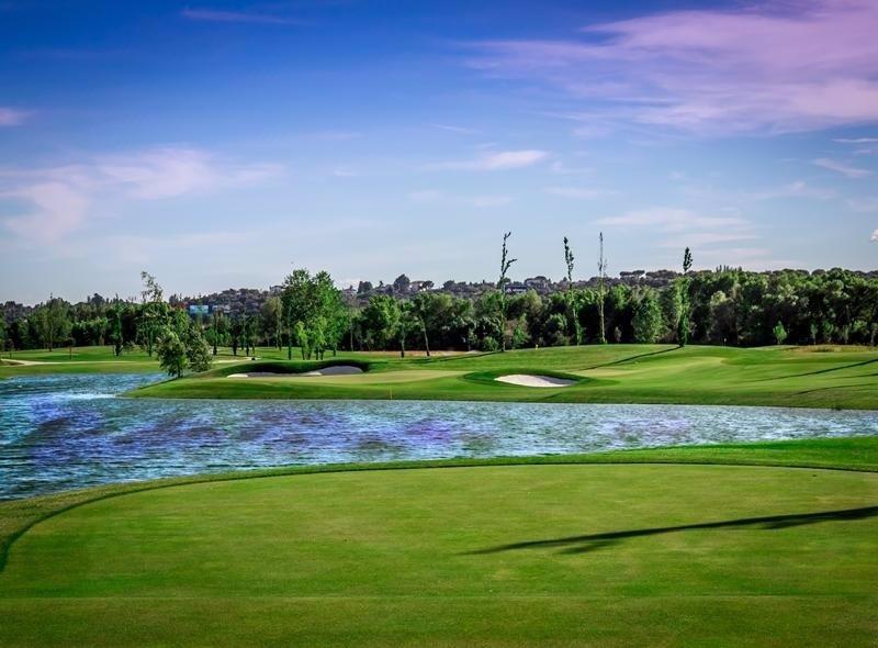 El club golf la moraleja presenta sus dos nuevos campos en for Club social la moraleja