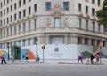 Un muro modernista evoca a Gaudí y avanza la próxima Apple Store de Barcelona