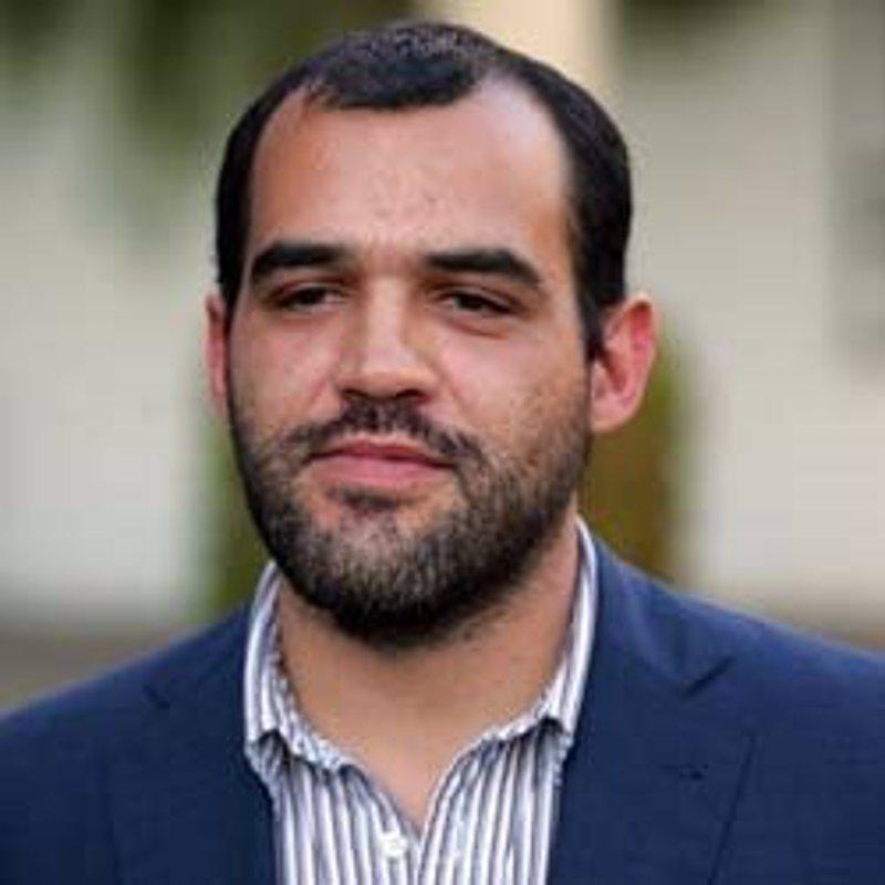 Econom a iu propone en el senado prohibir a los bancos for Sucursales galicia cordoba