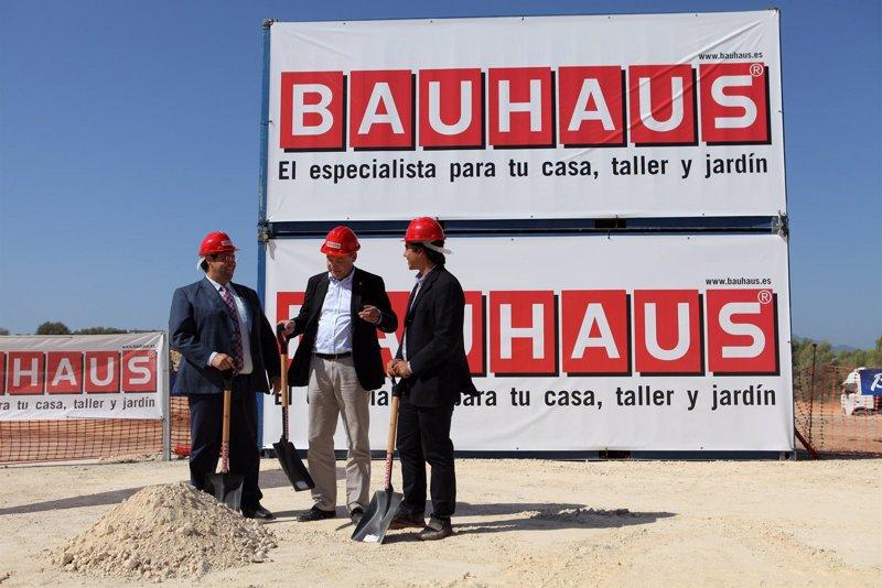 Econom a bauhaus invierte 30 millones en su primera for Bauhaus girona catalogo