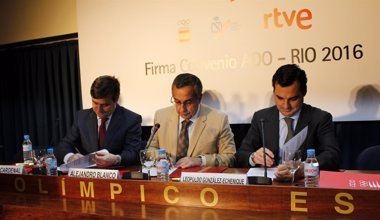 Foto: CSD, COE Y RTVE firman el convenio ADO para Río 2016 (EUROPA PRESS)