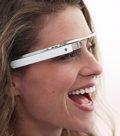Google Glass: Así funciona y así afectan a su uso las gafas normales