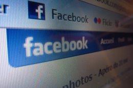 Foto: Facebook cuenta con 18 millones de usuarios activos al mes en España (RAY-FRANCO BOULY FLICKR CC)