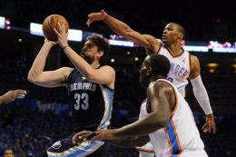 Foto: Oklahoma resiste a unos combativos Grizzlies (USA TODAY SPORTS / REUTERS)