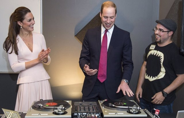 Foto: El príncipe Guillermo y Kate Middleton DJ's por un día (GETTY)