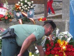 Foto: Homenaje a dos guardias civiles en Sallent (GOBIERNO DE ARAGÓN)