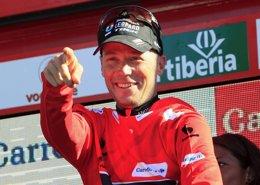 Foto: Horner no podrá defender su trono en La Vuelta (JOSEBA ETXABURU / REUTERS)