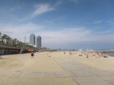 Foto: Tancats 24 apartaments turístics de la Barceloneta en dos dies (EUROPA PRESS)