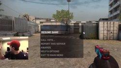 Foto: Jugaba tranquilamente a Counter Strike y aparecen los SWAT (Vídeo) (YOUTUBE)
