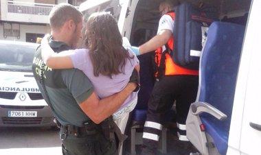 Foto: Las dos heridas en el incendio de Miajadas (Cáceres) son una mujer y una niña de 8 años (GUARDIA CIVIL)