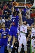Foto: Lauvergne salva el orgullo de Francia in extremis (FIBA.COM)