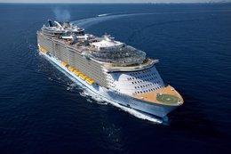 Foto: El crucero más grande del mundo pone rumbo a Barcelona (MICHEL VERDURE)