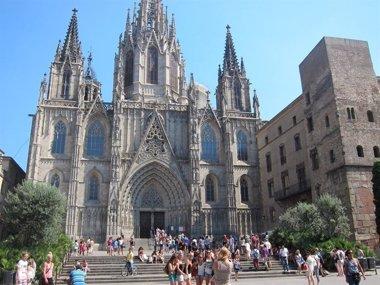 Foto: Barcelona, ciudad española más buscada por los turistas europeos este verano (EUROPA PRESS)