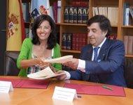 Firma del convenio entre Sergas y Povisa