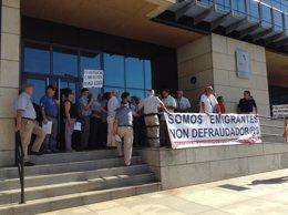"""Foto: Pensionistas retornados piden la devolución de lo """"robado"""" (EUROPA PRESS)"""