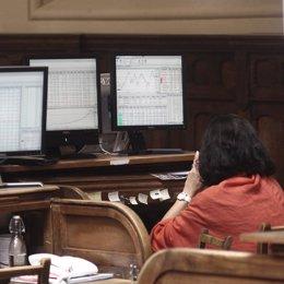 Foto: El Ibex salva las ganancias, pero se atasca a las puertas de los 10.800 puntos (EUROPA PRESS)