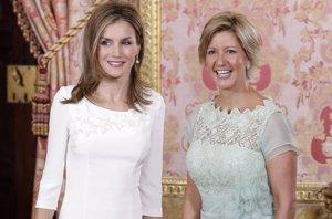 "Foto: La Reina Letizia ""adicta"" al total white (ANTONIO GUTIERREZ HERGUEDAS)"