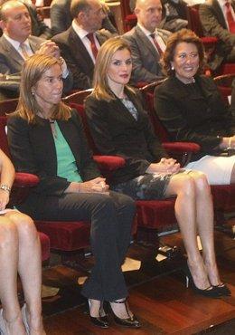 """Foto: La Reina destaca el """"esfuerzo"""" de la AECC por su trabajo en apoyo a las familias y en la investigación (POOL)"""