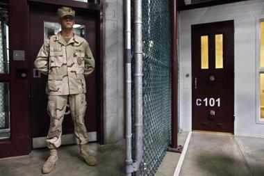 Foto: Perú descarta recibir a presos de la cárcel de Guantánamo (REUTERS/POOL NEW)