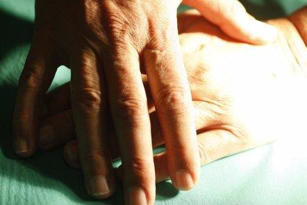 Foto: El apoyo de la familia puede condicionar la evolución del Alzheimer (EUROPA PRESS)