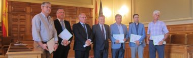 "Foto: Tizón dice estar ""fuera de la carrera a la Alcaldía de Toledo"" (EUROPA PRESS)"
