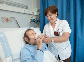 Foto: SATSE reclama que el aumento de la tasa de reposición se destine a incrementar las plantillas de Enfermería (H.BELLVITGE)