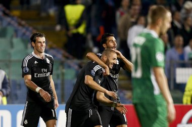 Foto: Benzema rescata al Madrid (STOYAN NENOV / REUTERS)