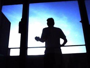 Foto: Descubren cómo las neuronas del reloj biológico se sincronizan al anochecer y amanecer (FLICKR/JEFF)