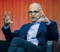 """CEO de Microsoft: las mujeres que no piden aumento tienen """"buen karma"""""""