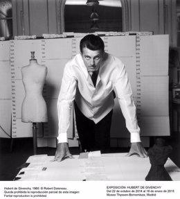 Foto: El Thyssen 'se viste' de Givenchy hasta enero con 91 piezas (ROBERT DOISNEAU)