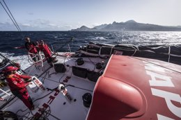 Foto: El 'MAPFRE' cae a la cuarta posición antes de las calmas ecuatoriales (FRANCISCO VIGNALE/MAPFRE/VOLVO OCEAN RACE)