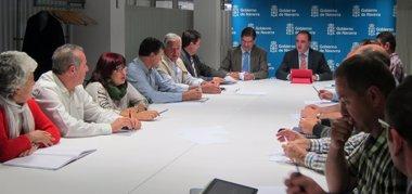 Foto: Esparza se reúne con mancomunidades para tratar la revisión del PIGRN (EUROPA PRESS)