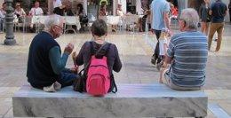 Foto: Usuarios de entre 45 y 65 años, los que más reservan viajes 'online', según Lowcostholidays (EUROPA PRESS)