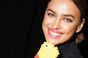 Foto: ¡Únete a la moda de las fundas para móvil más atrevidas!... Las famosas ya lo han hecho (CORDON PRESS)