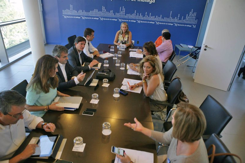 La Diputación aprueba una treintena de proyectos con una ... - Europa Press