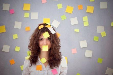 Foto: 7 pasos para combatir el estrés laboral (GETTY//ANDREUSK)