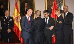 Foto: España condecora a los responsables de la lucha antiterrorista de Marruecos (MINISTERIO DEL INTERIOR)