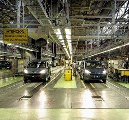 """Foto: Citroën acepta revisar su propuesta de recortes ante el """"rechazo total"""" de los sindicatos (EUROPA PRESS)"""