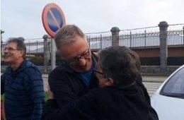 Foto: Sale de prisión Ismael Arrieta, ex sacerdote condenado por el asesinato de tres guardias civiles (ETXERAT)