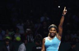 Foto: Wozniacki-Williams y Halep-Radwanska, semifinales de las Finales WTA (REUTERS)