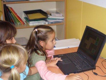 Foto: Los pediatras alertan sobre el incremento de consultas sobre adicción a las redes sociales entre menores (FLICKR/PILAR SORO MATEOS)