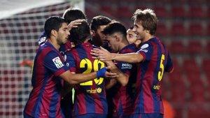 Foto: El FC Barcelona, primer 'supercampió' de Catalunya imposant-se a l'Espanyol en els penals (FCB)