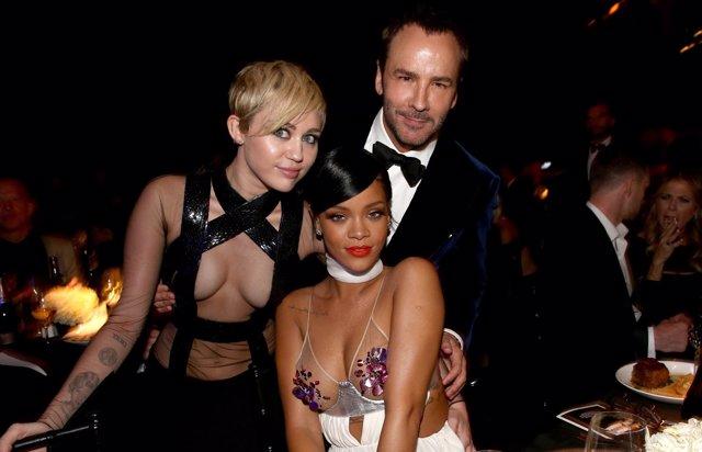 Foto: Alessandra Ambrosio, Miley Cyrus, Rihanna y más celebs en la amfAR Inspiration Gala (GETTY)