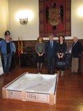 Foto: La Diputación de Lérida entrega en el TSJA el fragmento de la tabla gótica 'La Resurrección' de Benabarre (EUROPA PRESS)