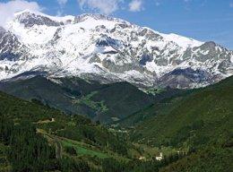 Foto: El parlamento asturiano quiere que el Parque de Picos de Europa sea Patrimonio de la Humanidad (ARCHIVO)