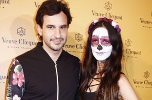 Foto: Daniela Ramos, pareja de Antonio de la Rúa, anima Halloween (EUROPA PRESS)