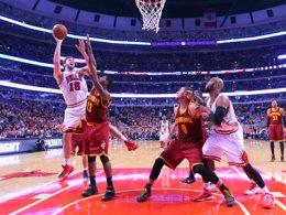 Foto: LeBron se reivindica ante los Bulls de Gasol (USA TODAY SPORTS / REUTERS)