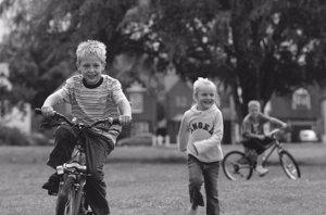 Foto: La clave para evitar el sedentarismo infantil: acudir con ellos al gimnasio (CORDON PRESS)