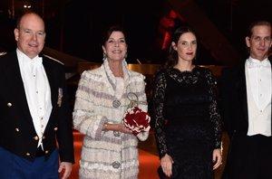 Foto: Los Grimaldi, cena de gala mientras Charlene descansa por el embarazo (CORDON PRESS)